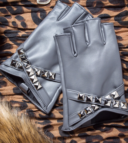 Rivets short leather gloves