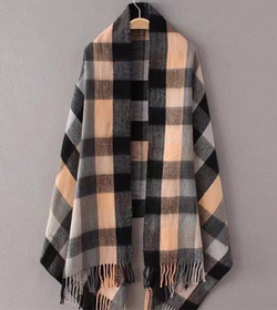 Checkered winter scarf
