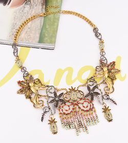 Crystal vintage necklace