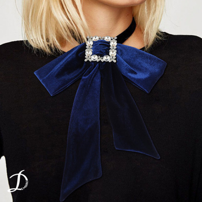 Velvet bow chocker