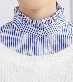 High neck stripped collar