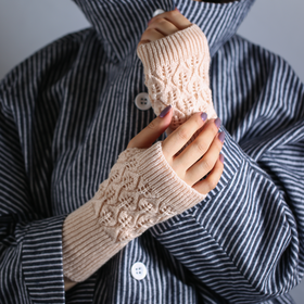 Wool half gloves